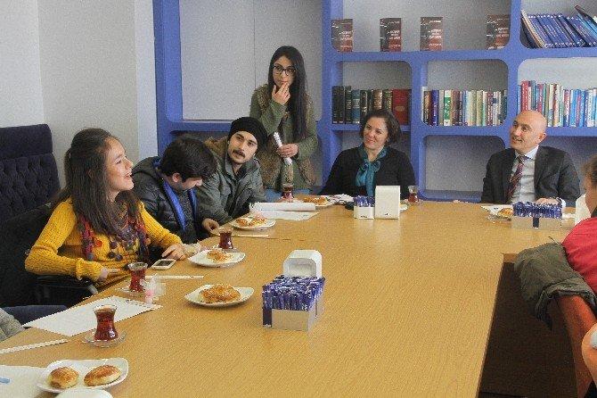 Rektör Yılmaz Öğrencilerle Bir Araya Geldi