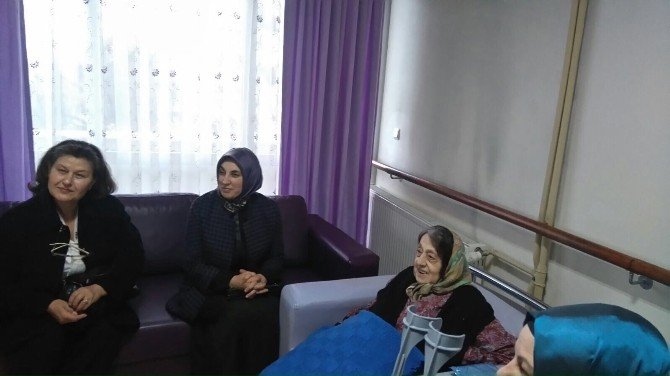 Neriman Kaban'dan Huzurevine Ziyaret