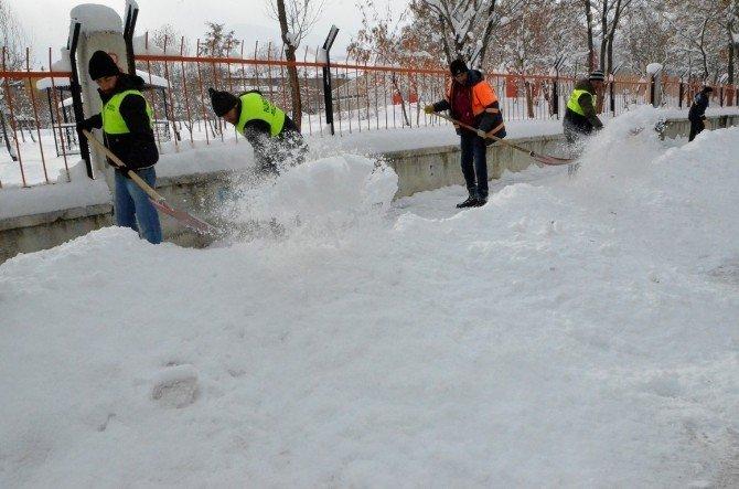 Palandöken Belediyesin'den Yoğun Kar Mesaisi