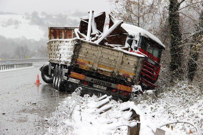 Yalova'da Kar Etkili Oluyor