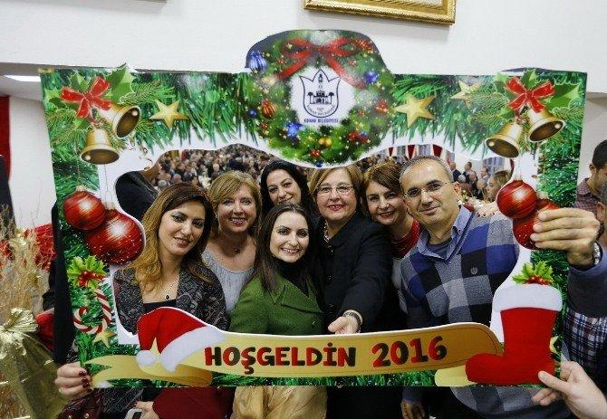 Konak'ta Yeni Yılda Çifte Kutlama