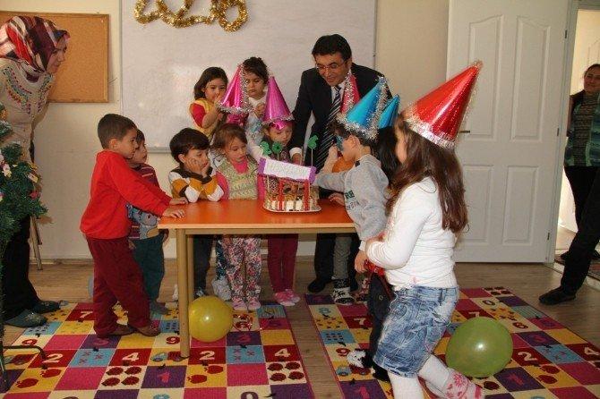 Sarıgöllü Minikler Yeni Yıla 'Merhaba' Dedi