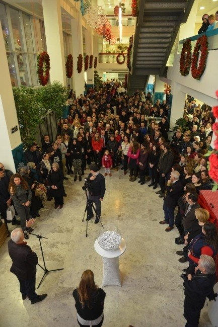 Nilüfer Belediyesi'nden Yeni Yıla Renkli Karşılama