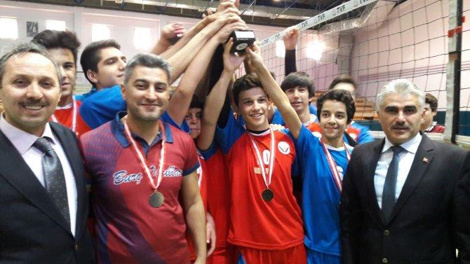 Voleybolde Adana şampiyonu Burç Vural Koleji oldu
