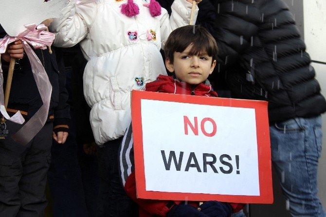 Çocuklardan Dünyaca Ünlü İsimlere Barış Mesajı