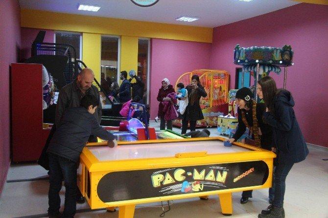 Çocuk Oyun Ve Eğlence Merkezi'ne Yoğun İlgi