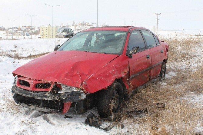 Sivas'ta Buzlanma Kazaya Neden Oldu: 1 Yaralı