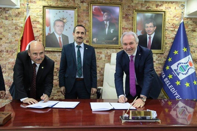 Kütahya Belediye Başkanı Kamil Saraçoğlu: Güler Yüzlü Olmak Da Bir Hizmettir