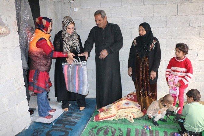 Suriyeli Mültecilere Yardım Malzemesi Dağıtıldı