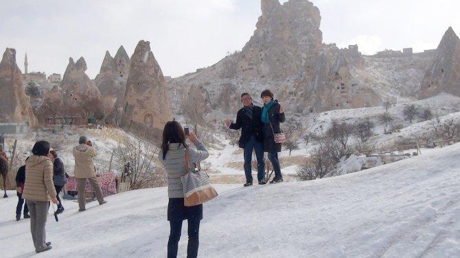 Peribacaları karla kaplandı
