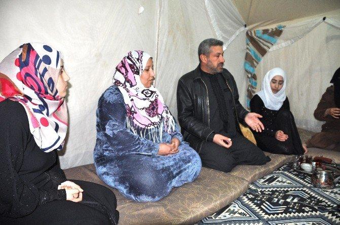 Suriyeliler Bir Yılı Daha Vatan Hasretiyle Geride Bıraktı