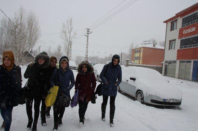 Varto'da Kar Tatili