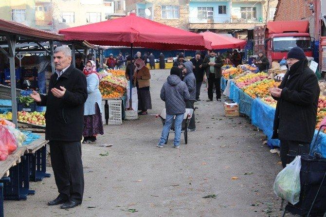 Sungurlu'da Pazar Duası Geleneği Yaşatılıyor