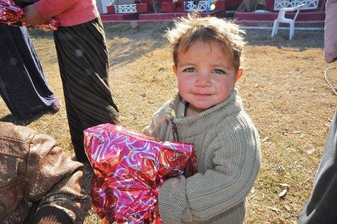 Suriyeli Çocuklara Yılbaşı Sürprizi