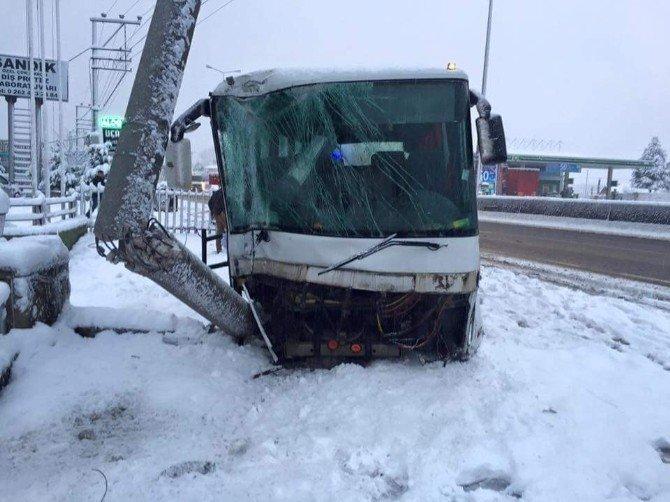 Kocaeli TEM Otoyolunda 11 Araçlı Zincirleme Trafik Kazası: 1 Ölü