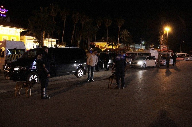 Polisin Kutlamalar İçin Önlem Aldığı Meydana Bir Kişi Bile Gelmedi