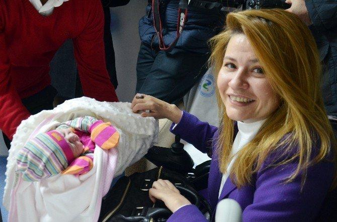 2015'in Son, 2016'nın İlk Bebekleri Dünyaya Geldi