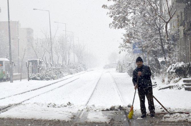 Batman'da 118 köy yolu ulaşıma kapandı
