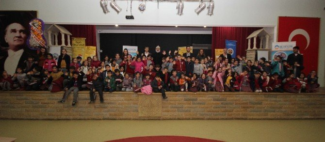 Bilgievi Öğrencileri Tiyatroda Buluştu