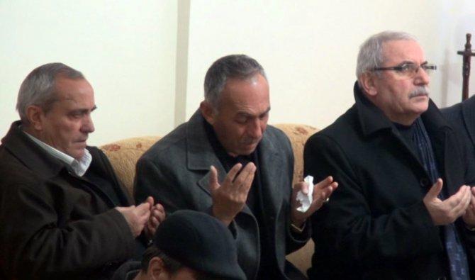 Sivaslı şehit polisin babasının acı feryadı: Aslanları çakallara boğduruyorlar