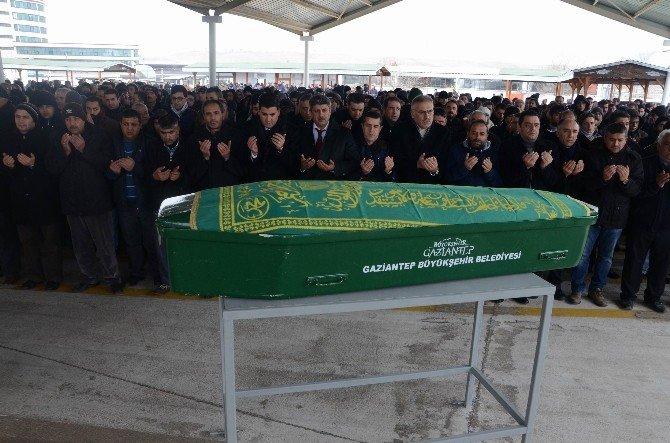 Gazeteci Hasan Kırmızıtaş'ın Vefat Eden Babası Defin Edildi