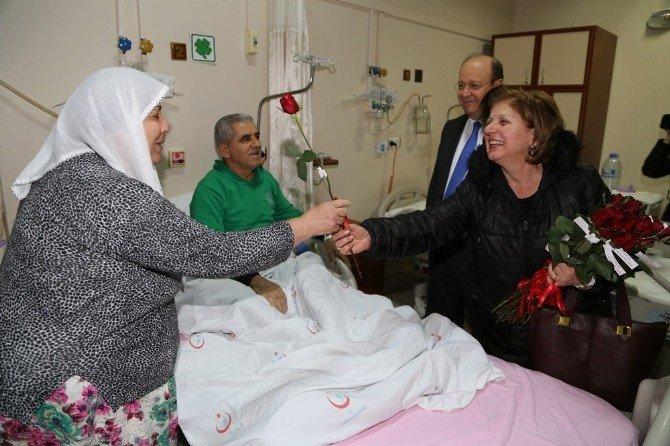 Başkan Özakcan, Yeni Yılda Hastaları Unutmadı