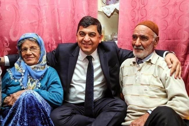 Belediye Başkanı Yeni Yıla Ev Ziyaretleriyle Girdi
