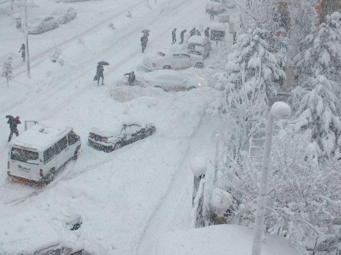Hakkari'de 136 köy, 374 mezra yolu kapandı