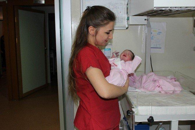Tekirdağ'da 2015'in Son Bebeği