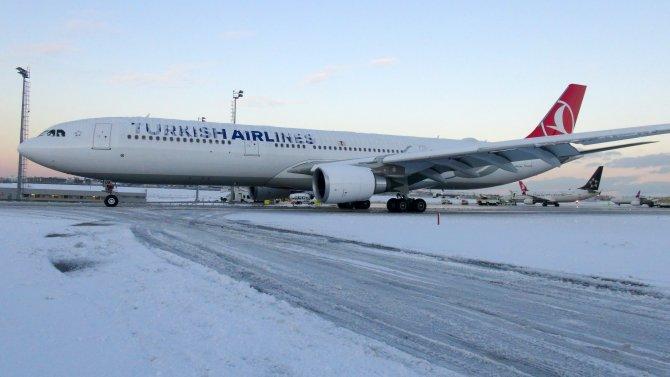 İstanbul'da bugün 250'den fazla uçak seferi iptal