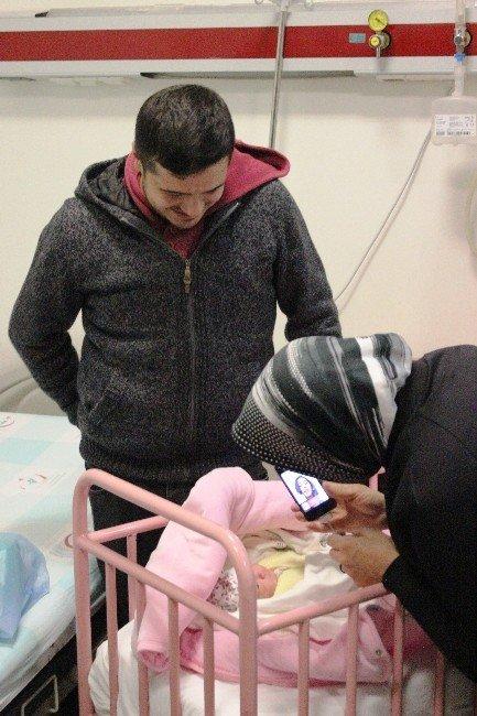 Yeni Yılın İlk Bebeği 3g İle Merhaba Dedi