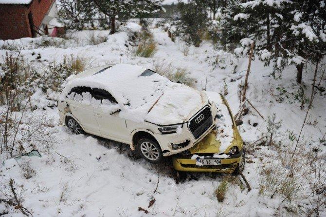 Bursa'da Buzlu Yoldaki Kazada Facia Teğet Geçti...