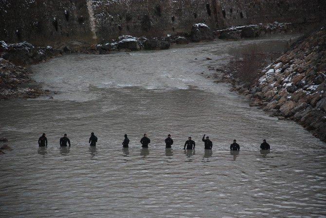 Kayıp Çocukları Jöak Ekibi Arıyor