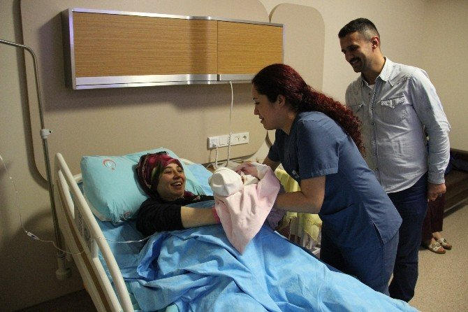 Yeni Yılın İlk Bebeği Zonguldak'ta Dünyaya Geldi