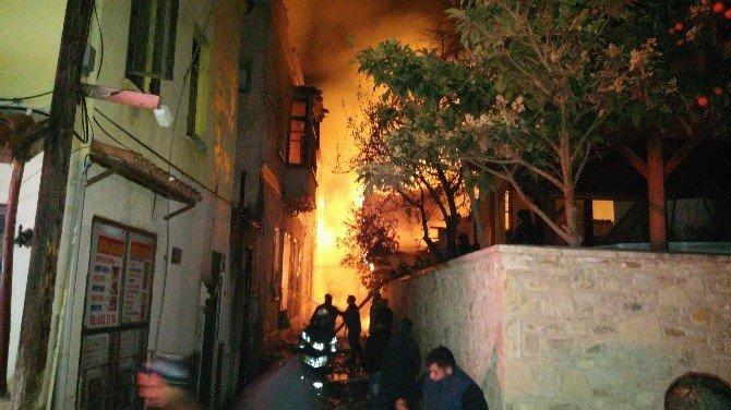 Kuşadası'nın Tarihi Evlerinde Yangın