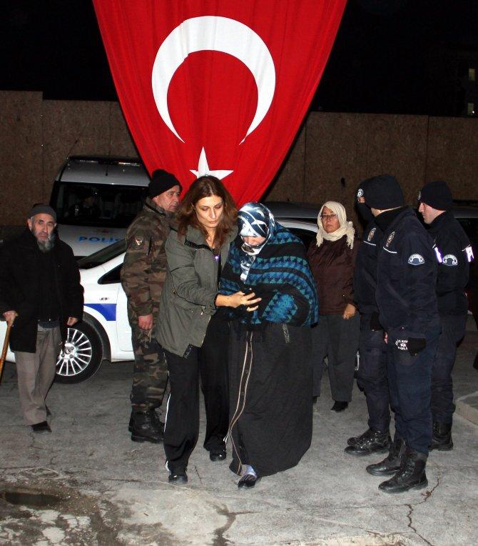 Cizre'de şehit düşen polis Aktürk'ün cenazesi Manisa'ya getirildi