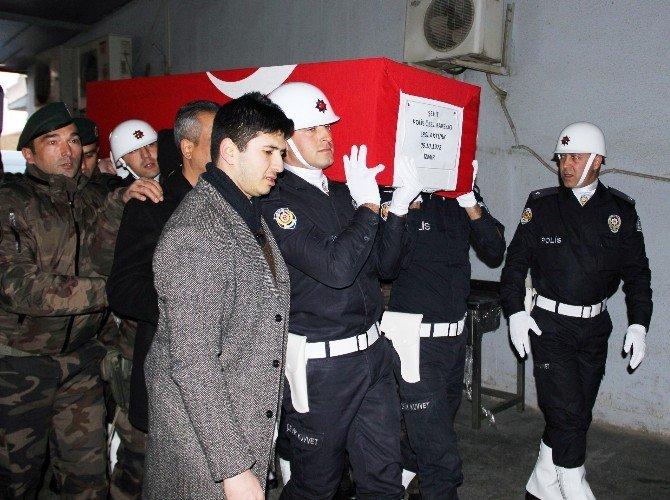 Şehit Polisin Cenazesi Manisa'ya Getirildi