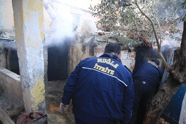 Milas'ta Bir Evin Deposunda Yangın Çıktı