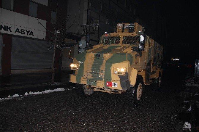 Diyarbakır'da Yeni Yıla Polis Ve Asker Operasyonla Girdi