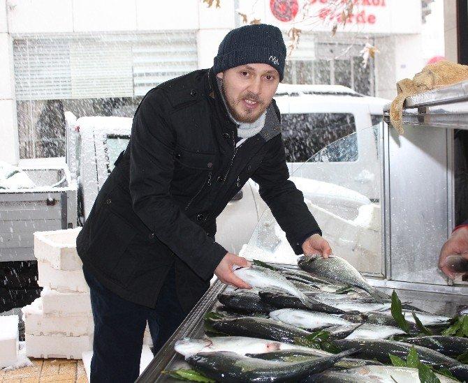 Kar Yağışı Balıkçı Esnafını Vurdu