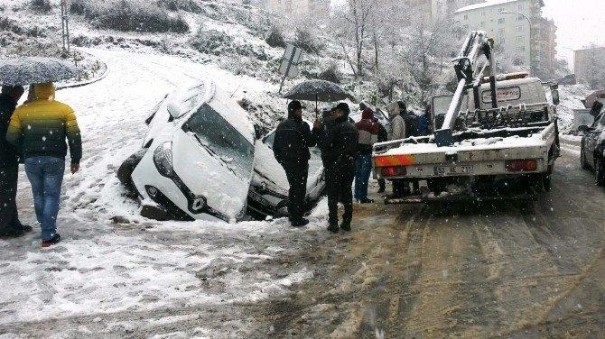 Rize'de Kar Yağışı Kazaları Da Peşinden Getirdi