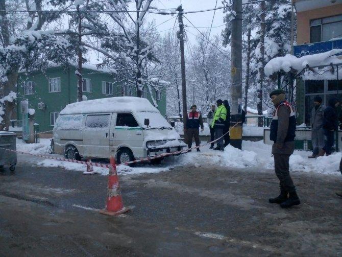 Aracında silahlı saldırıya uğrayan kişi öldü