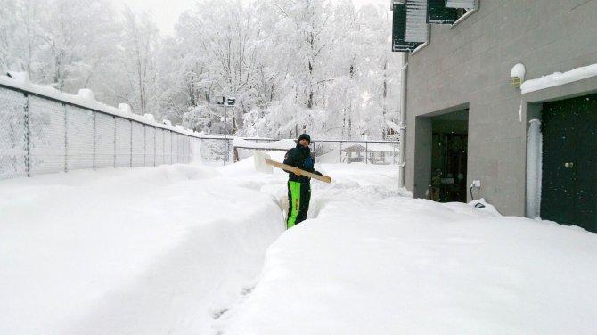 Samsun'da kar kalınlığı bazı ilçelerde 1 metreyi geçti