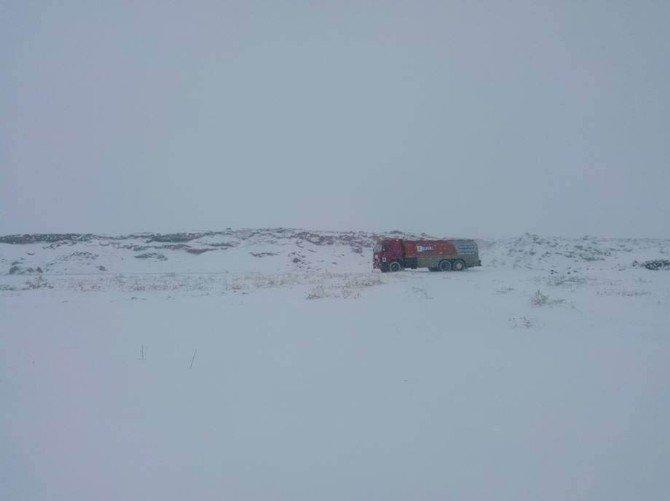 Şanlıurfa'da Kar Ve Soğuk Şebeke Sularını Dondurdu