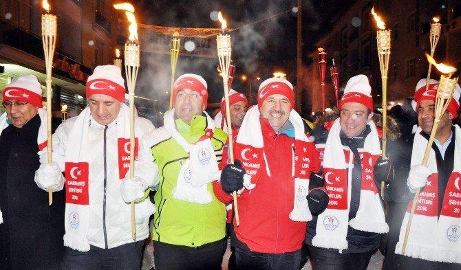 Dondurucu Soğukta Sarıkamış Şehitlerine Meşaleli Anma