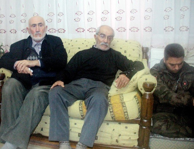 """Şehit Polisin Babası: """"Allah Milletimize, Devletimize Sağlık Versin"""""""