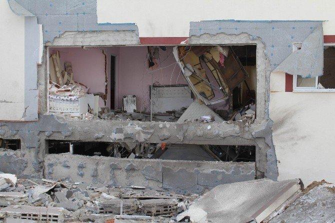 Kalorifer Kazanı Bomba Gibi Patladı: 1 Ölü, 2 Yaralı