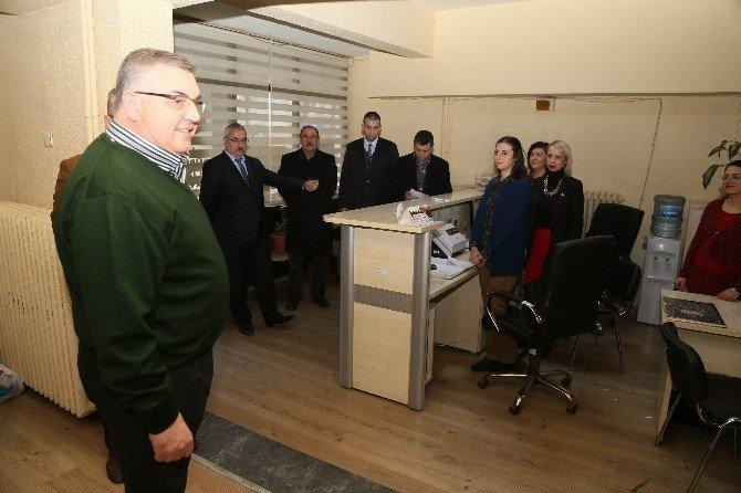 Başkan Kesimoğlu Mesai Arkadaşlarının Yeni Yılını Kutladı