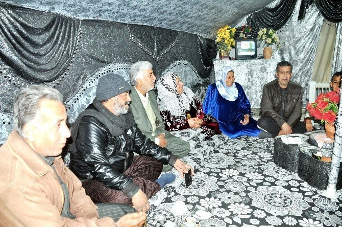 Mülteciler, 2016 Yılını Çadır Kentte Buruk Bir Şekilde Karşıladılar