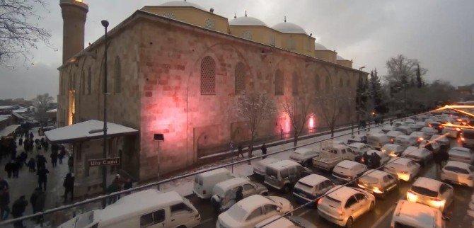 Binlerce Kişi Yeni Yılın İlk Sabahında Ulucami'de Buluştu